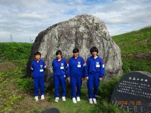 まずは常願寺川の大場の巨石の見学です。 推定重量400トン。どこから来たのか?今日のテーマです。