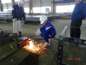 鉄板の溶断作業の体験4人目