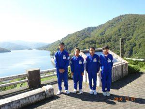 有峰湖で休憩です。