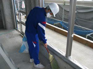 現場の2階の掃除をしてもらいます。その2